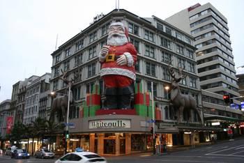 Kaufhaus Whitcoulls weihnachtlich geschmückt