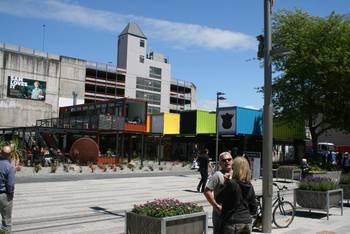 Offener Marktplatz in Christchurch bei sonnigem Wetter