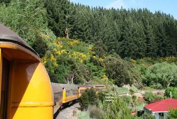 Mit der Taieri Gorge Railway auf dem Weg von Dunedin nach Pukerangi.