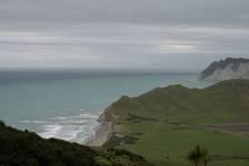 Blick vom East Cape hinauf aufs Meer