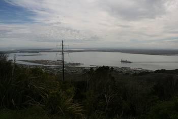 Blick auf Bluff mit Island Harbour