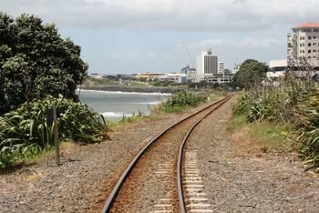 Ein Blick entlang der Schienen in New Plymouth
