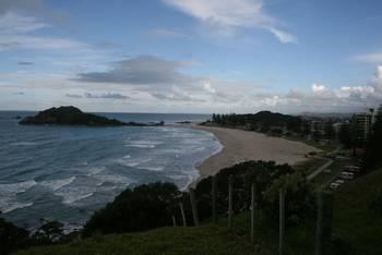 Fernansicht auf den Strand von Tauranga