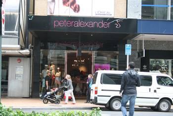 "Geschäft Wellington ""Peter Alexander"""